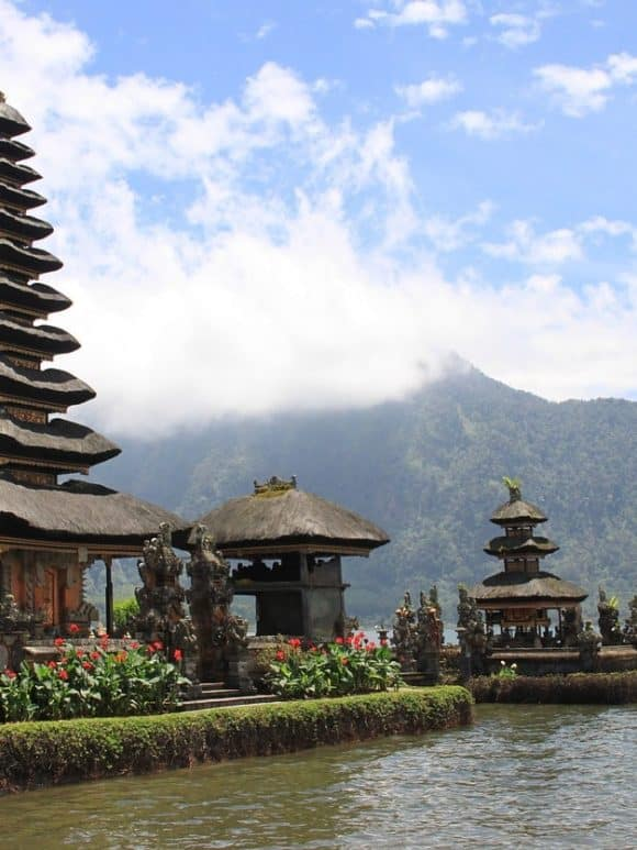 How to TRAVEL from Denpasar Airport to Kuta