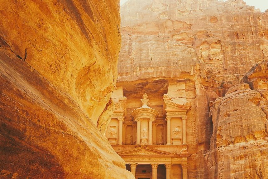 How to Travel from Amman Airport to Petra